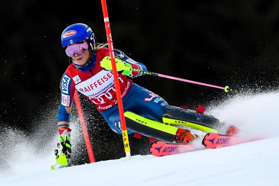 LENZERHEIDE, SWITZERLAND - JANUARY 28: Mikaela Shiffrin of USA competes during the Audi FIS Alpine Ski World Cup Women's Slalom on January 28, 2018 in Lenzerheide, Switzerland. (Photo by Alain Grosclaude/Agence Zoom/Getty Images)